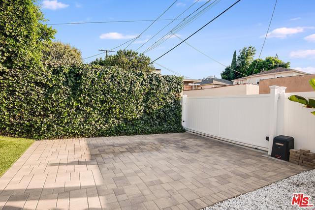 4443 Auckland Ave photo