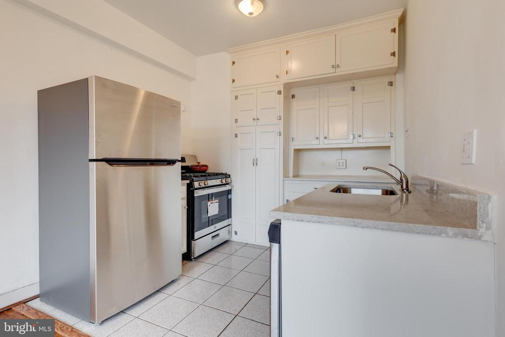 4000 CATHEDRAL AVE NW #749-B photo