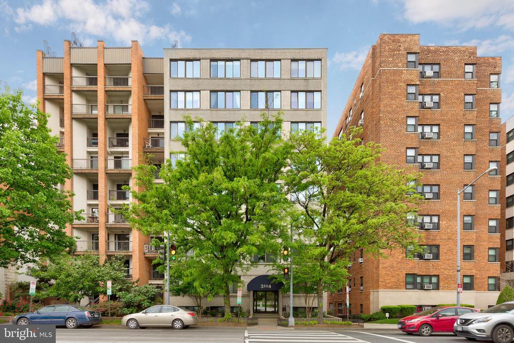 3114 WISCONSIN AVE NW #304 photo