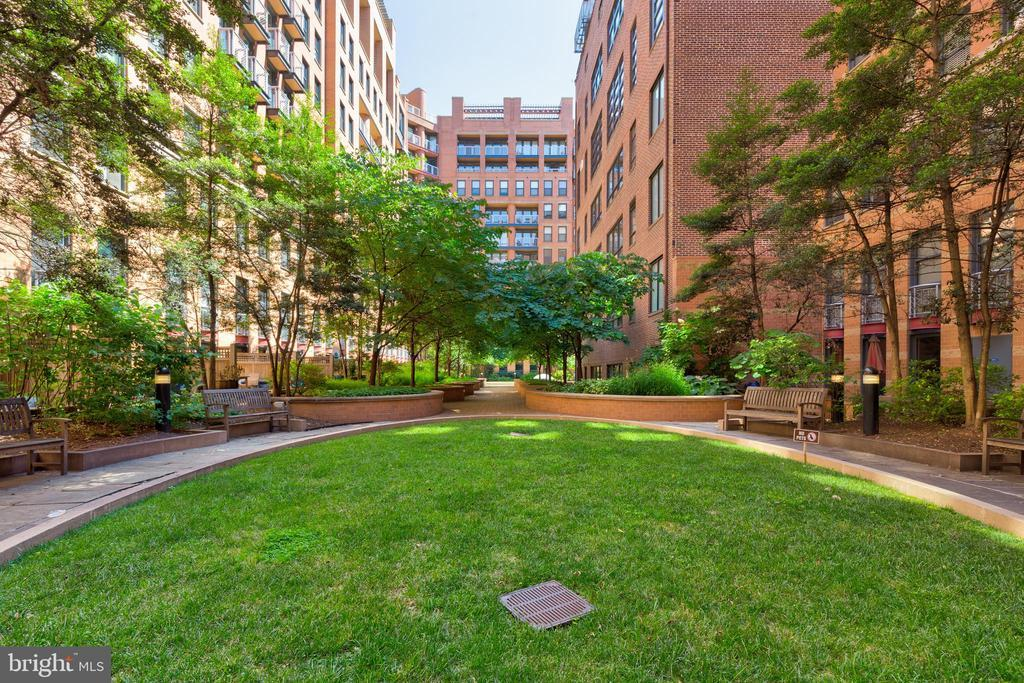 631 D ST NW #1145 photo