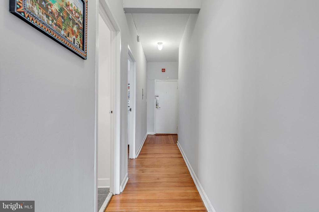1831 BELMONT RD NW #305 preview