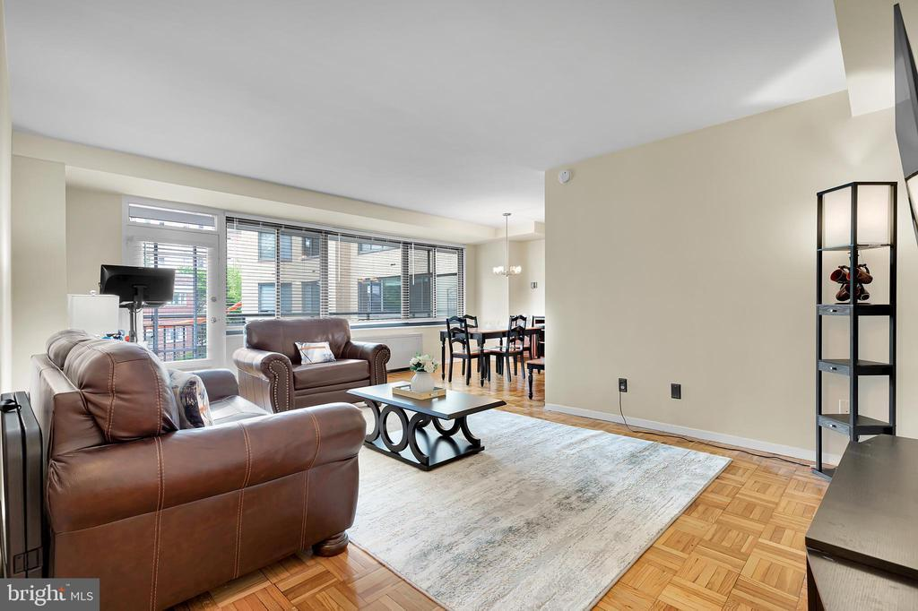 4740 CONNECTICUT AVE NW #413 photo