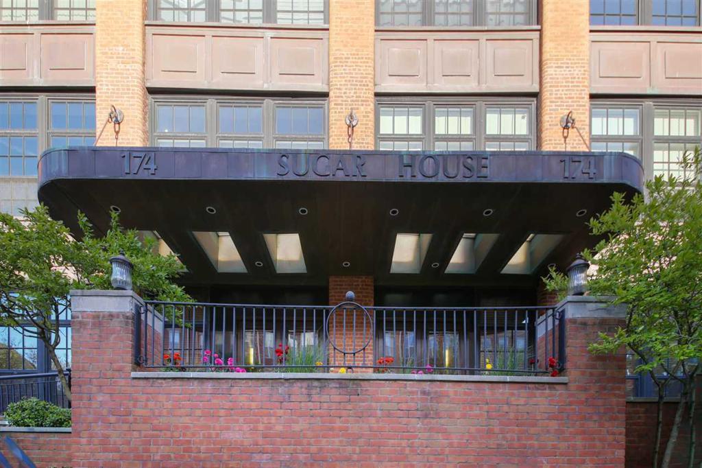 174 WASHINGTON ST Unit: 1G photo