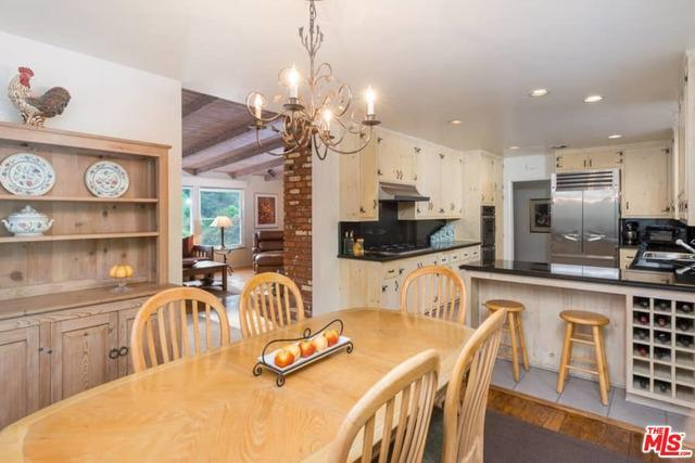 3916 MANDEVILLE CANYON RD preview